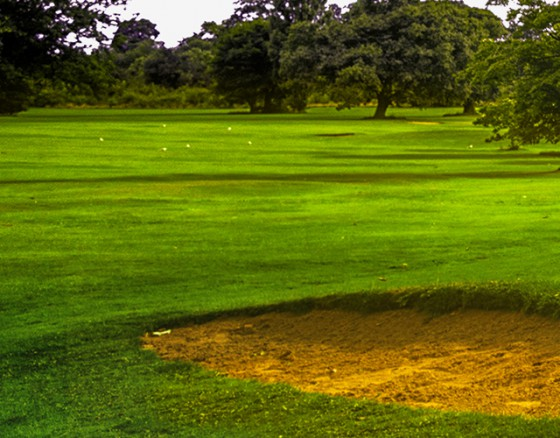 <p>The historical Lisbon Sport Club is the oldest golf course around Lisbon, founded in 1922, has its origins in the Lisbon Cricket Club. Due to its great location (only 20 minutes from Lisbon City Center, the International Airport). The course is friendly and its ideal for golfers of any skill level to play.</p>