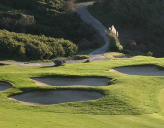 <p>Belas Clube Campo golf course designed by the American architect Rocky Roquemore, due to some fairways and greens deployed in deep valleys that offers an amazing panoramic view. The course situated in Belas only 30 minutes from Lisbon. Belas Country Club's golf is the first golf course in Europe to have an ISO flag.</p>