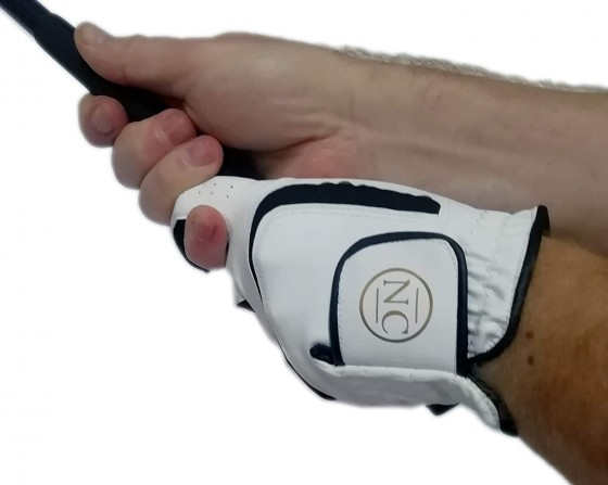 Get this unique personalised golf glove, the perfect golf gift for him. Up to 3 gold-coloured initials and with its own gift box also printed with the initials it's a fantastic present for a golfer.